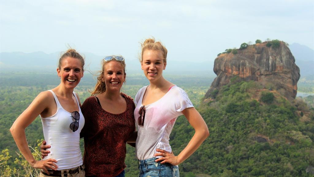 Wereldreis #62   Reis door Sri Lanka met twee mooie vrouwen