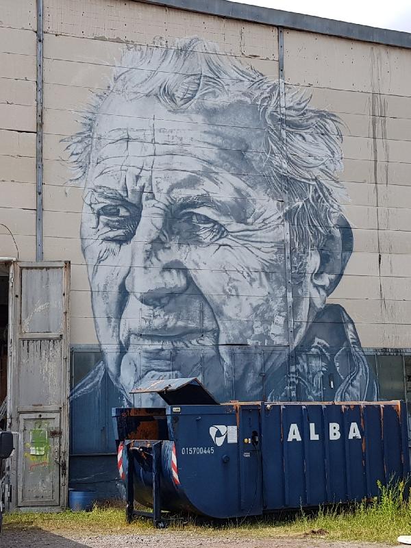 Dag-12-fietsreis-naar-Berlijn-muurschildering-Ferropolis