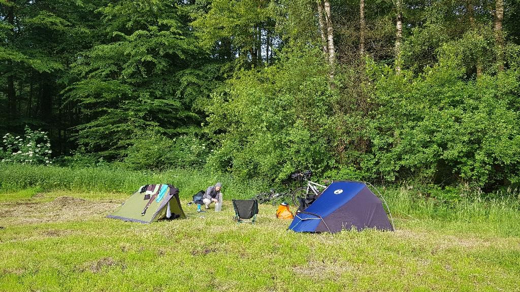 Dag-2-fietsen-naar-Berlijn-wildkamperen-Liesnerwalt