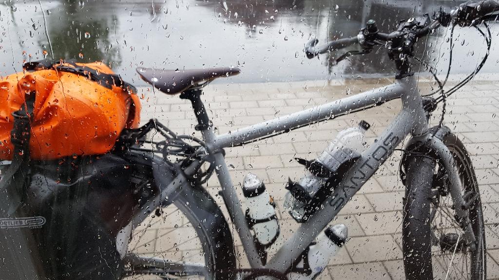 Dag 3 fietsen naar Berlijn, regen, regen regen