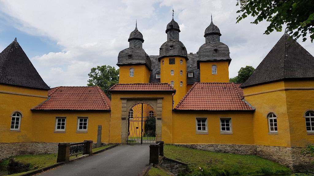 Dag 5 fietsen naar Berlijn, Schloss Holte