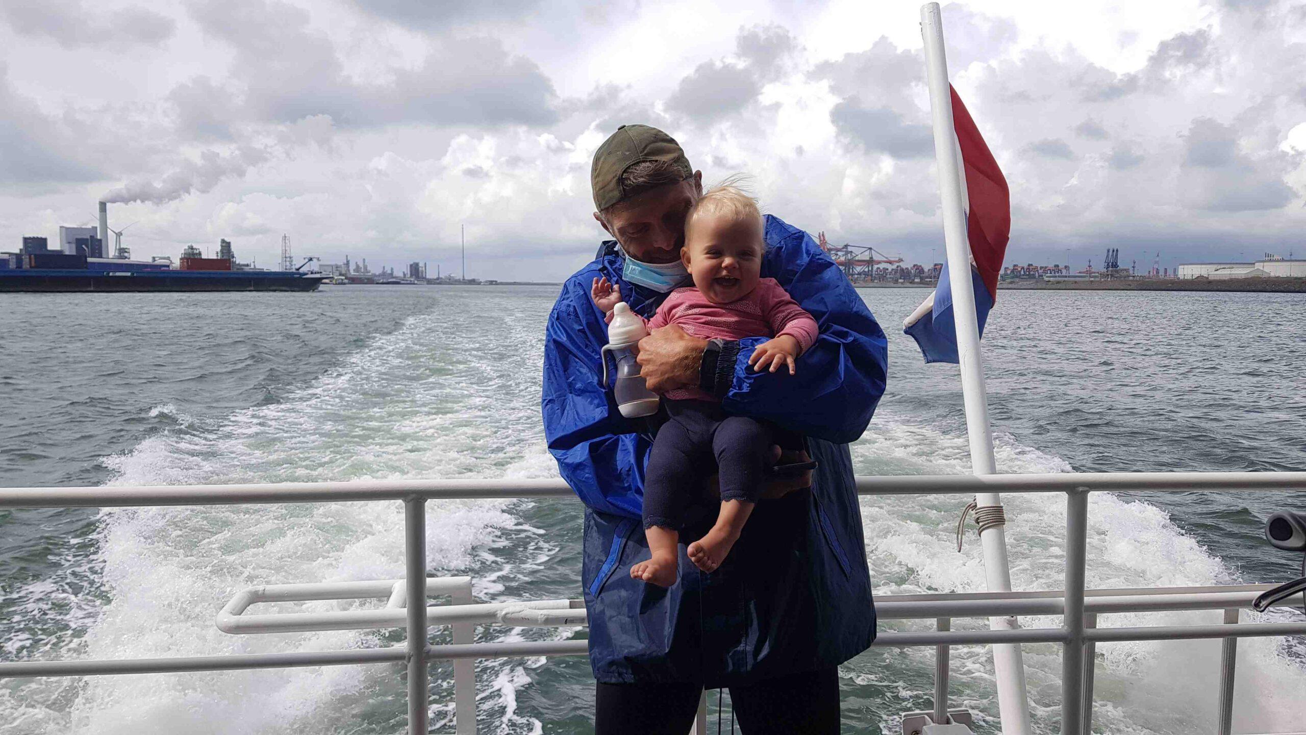 Rondje-Nederland-met-baby-JP-en-Lotje-ferry