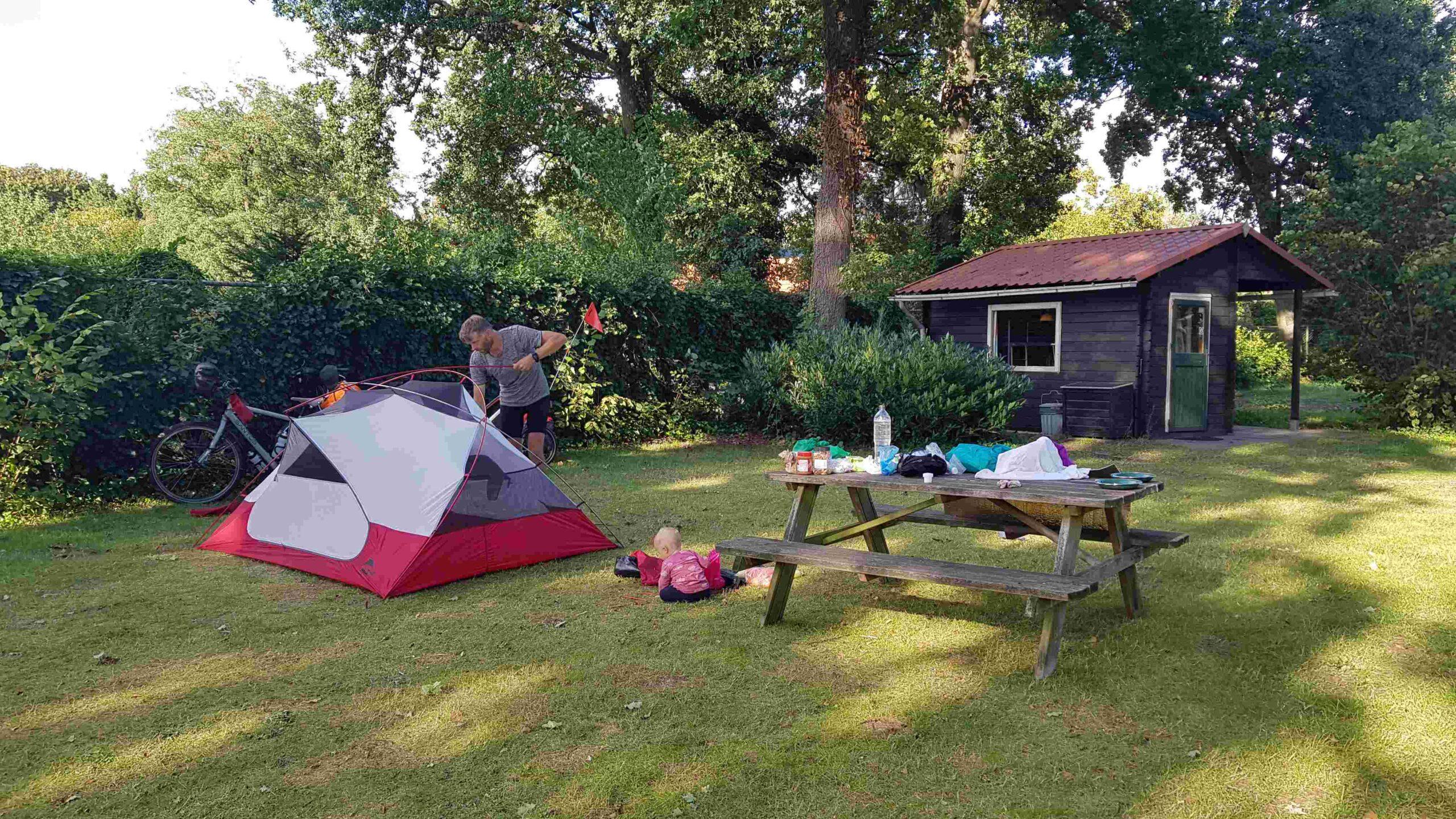 Rondje-Nederland-met-baby-camping-Uit-en-Thuis