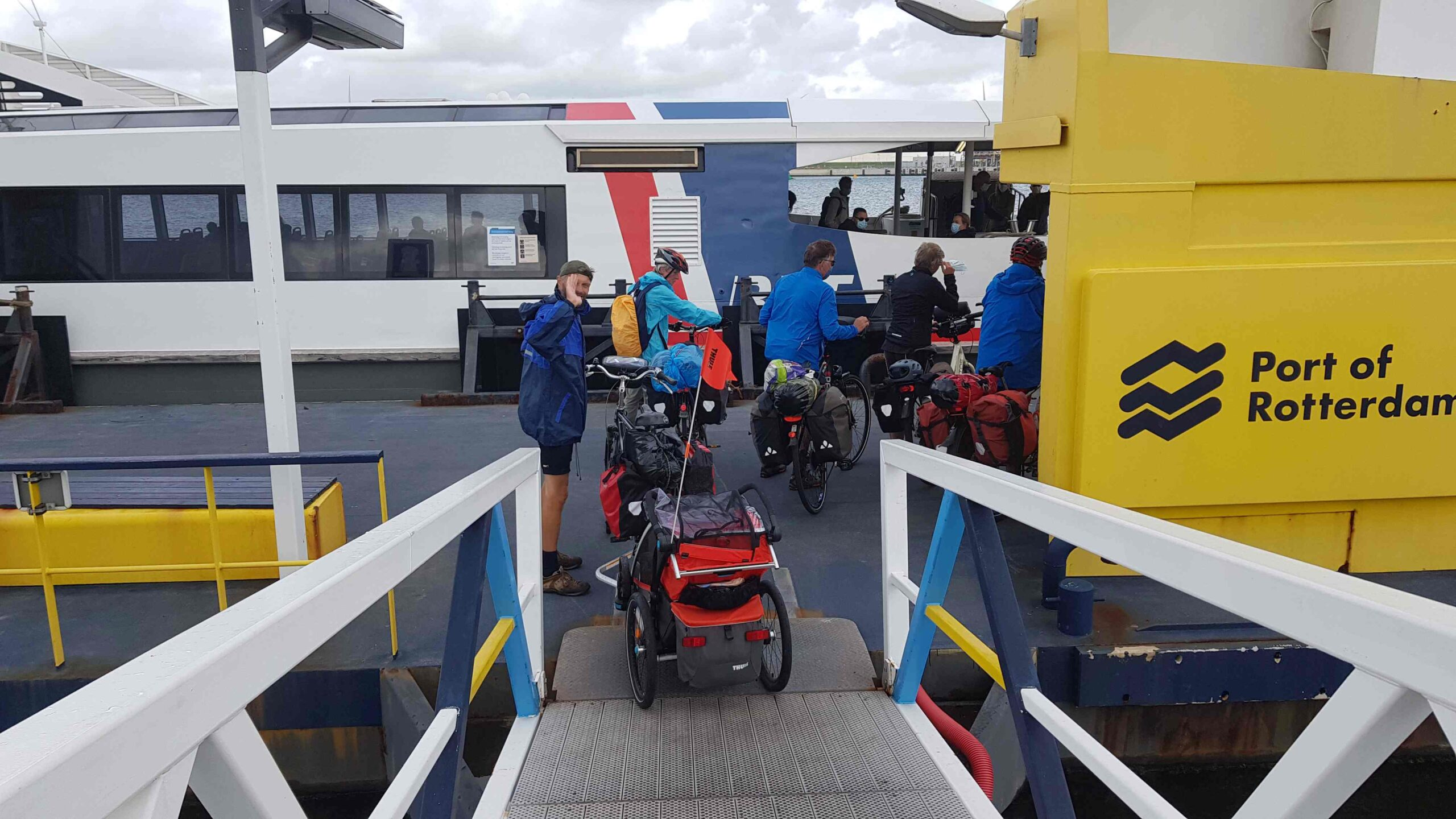 Rondje-Nederland-met-baby-ferry-Rotterdam