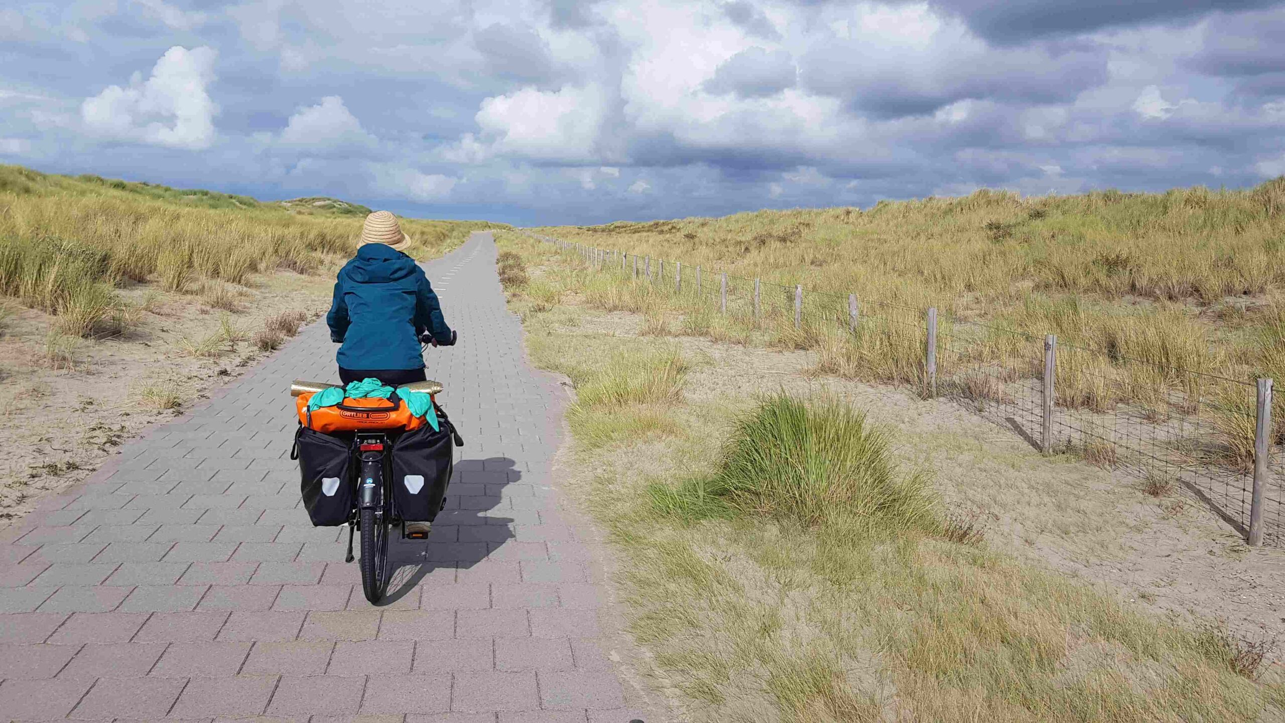Rondje-Nederland-met-baby-fietsen-Scheveningen-Den-Haag