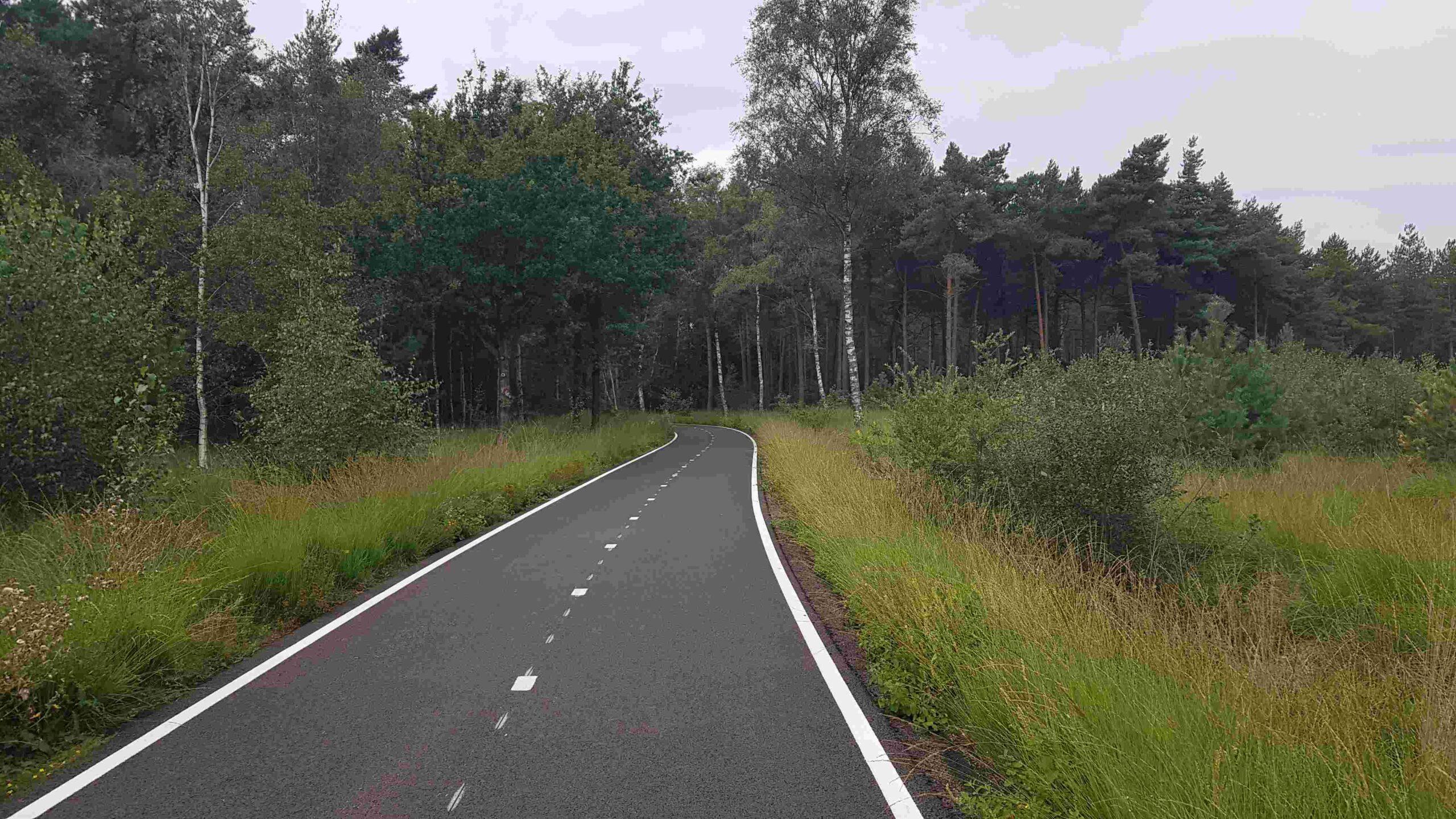 Rondje-Nederland-met-baby-fietssnelweg-Ulvenhout-Brabant