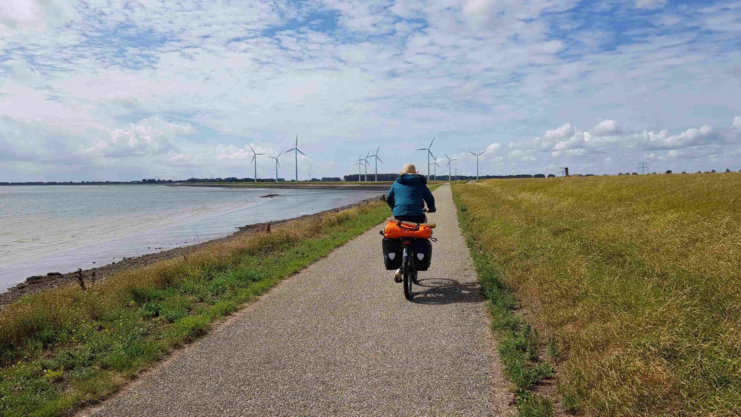 Rondje-Nederland-met-baby-tegenwind-langs-de-kust