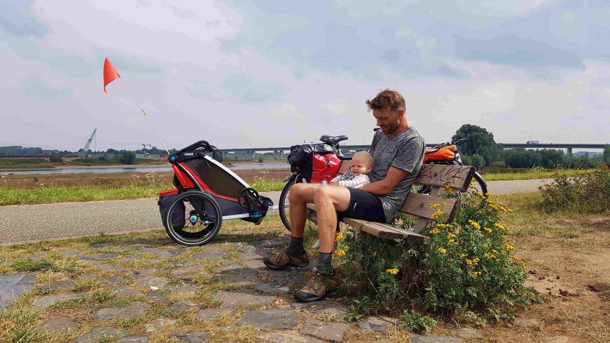 Rondje-Nederland-op-de-fiets-chillen-aan-de-Rijn-1