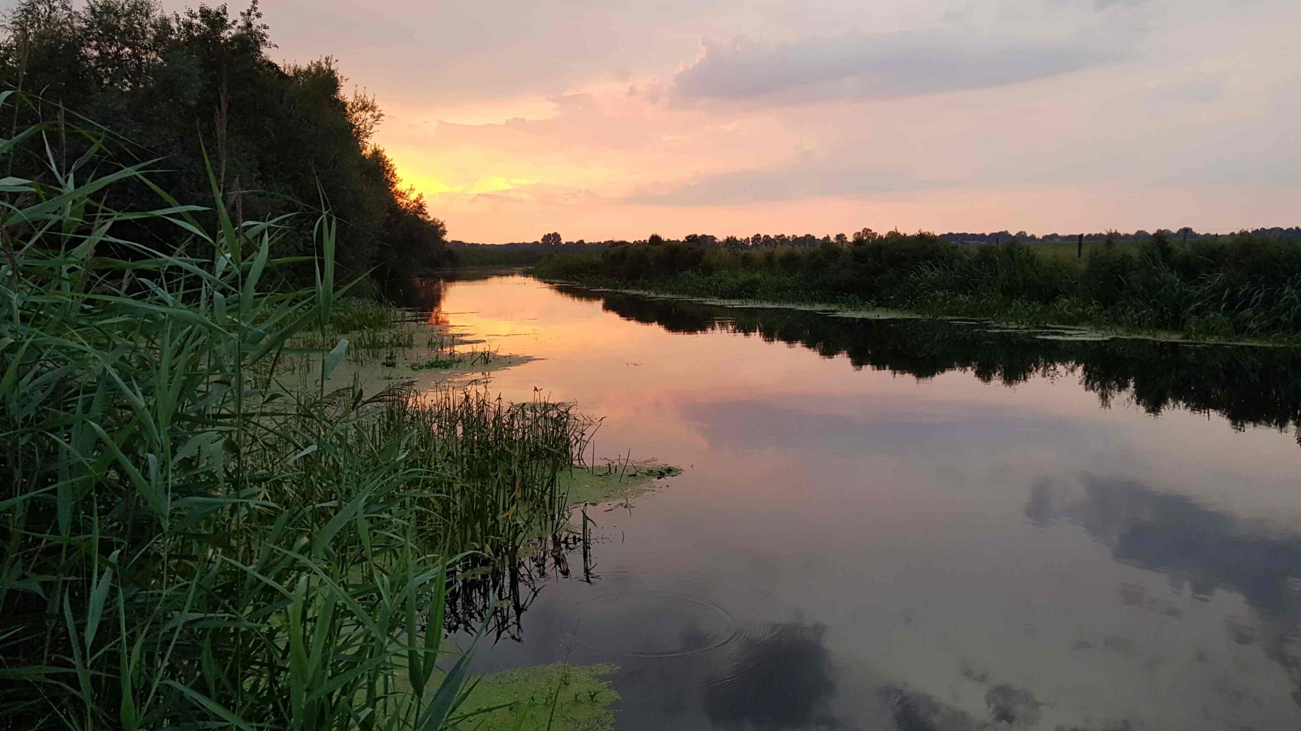 Rondje-Nederland-op-de-fiets-zonsondergang-Den-Ham