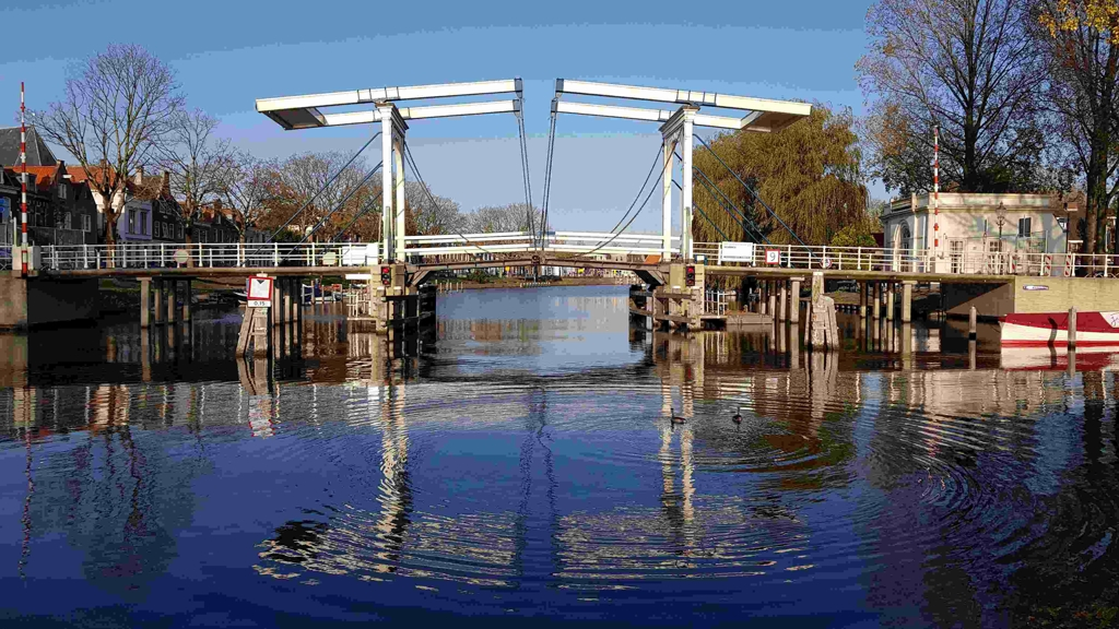 Trekvogelpad etappe 8 reflectie brug Weesp centrum