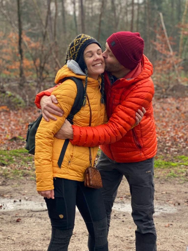 Trekvogelpad etappe 9 kusje in het bos