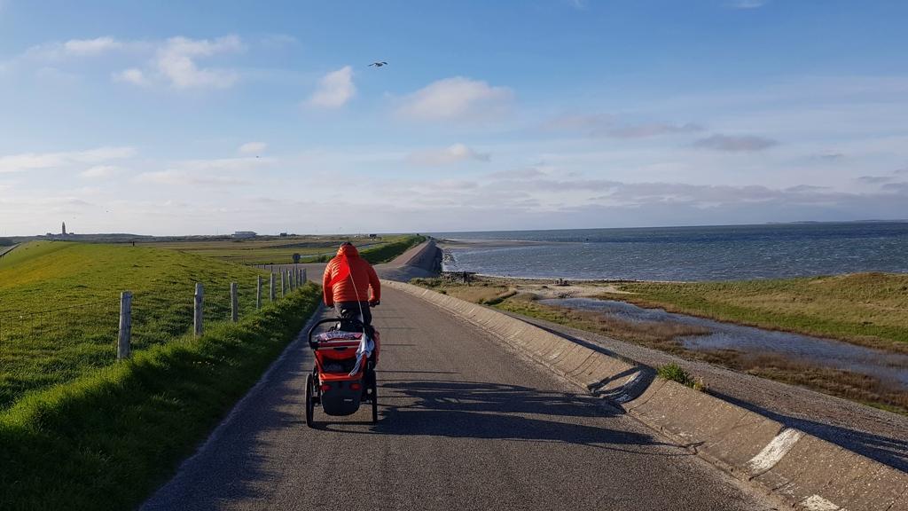 Op weg naar de boot van Texel naar Vlieland, tegenwind
