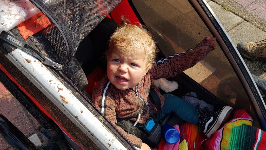 Ronde van Nederland op de fiets met baby Lotje, nu eerst even douchen