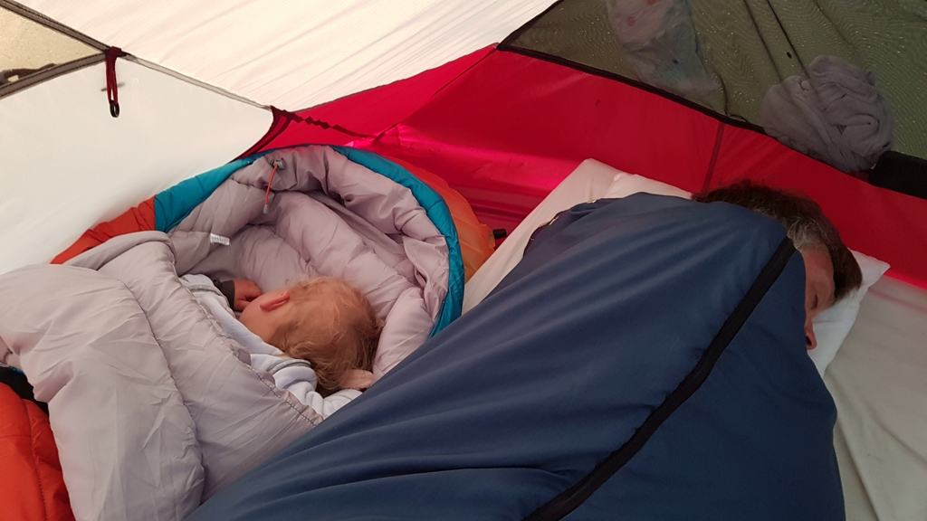 Schatjes slapen in de tent