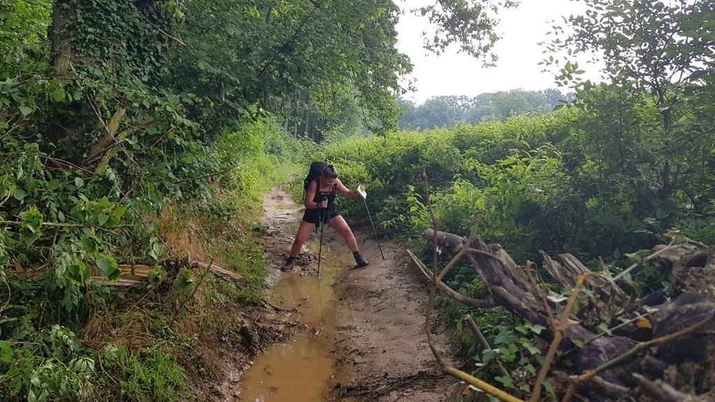 Dutch Mountain Trail etappe 4 Mheer tot Maastricht, modder in Mheer