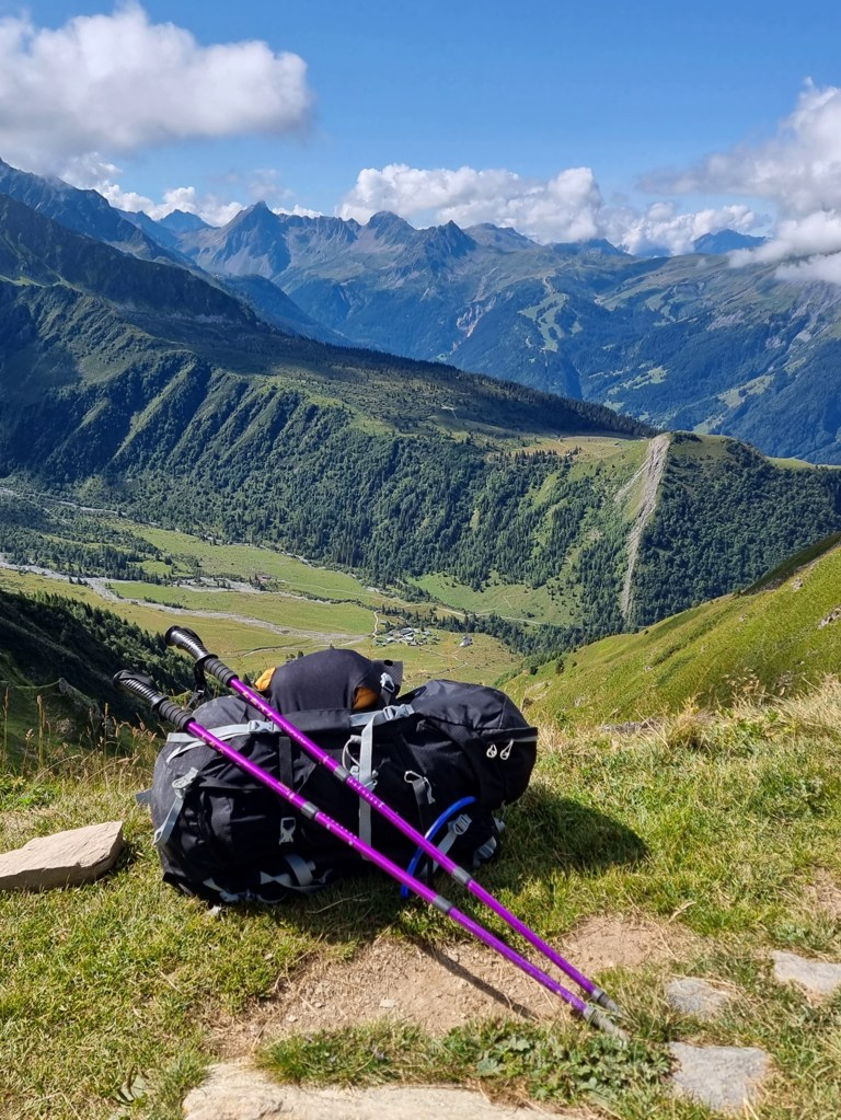 Backpack Col du Tricot camping TMB