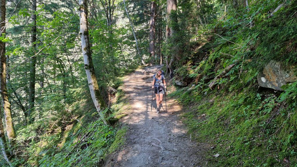 Bossen bij Tresse Tour du Mont Blanc dag 1