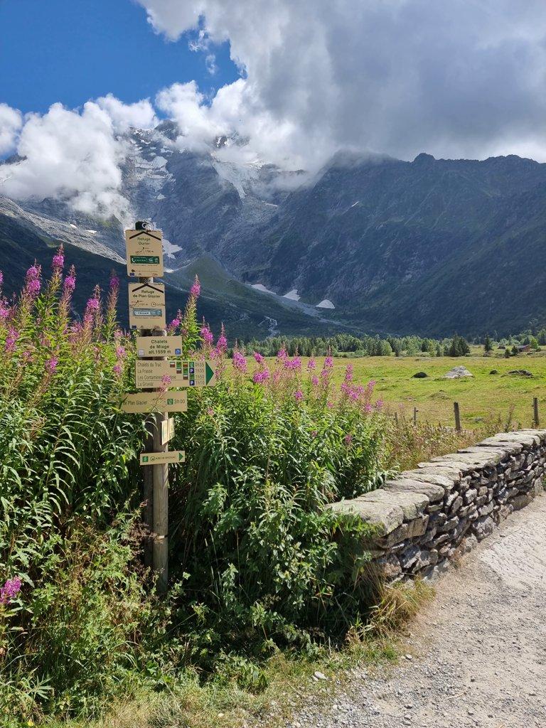Tour du Mont Blanc dag 1 bewegwijzering
